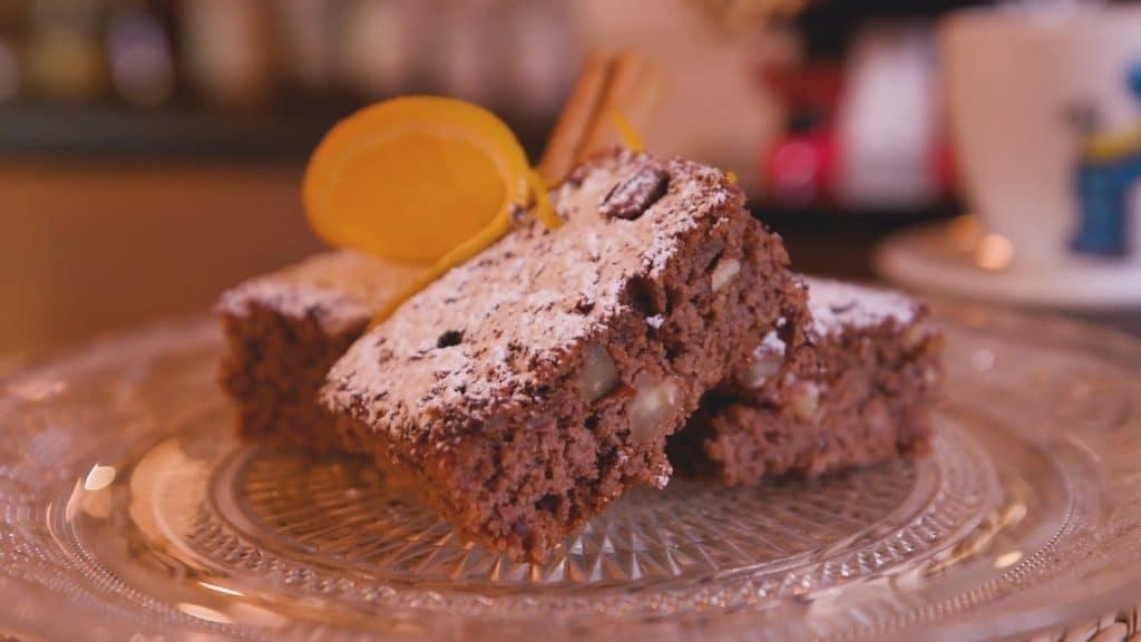 Brownie de porotos negros, cacao y naranja
