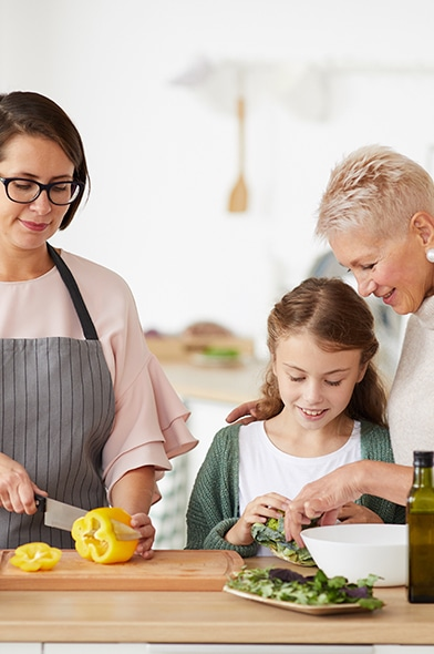 Cocinar con la familia mejora la salud física y mental